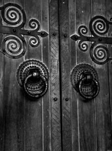 הדלת הסגורה ועקרונות הטאי צ'י